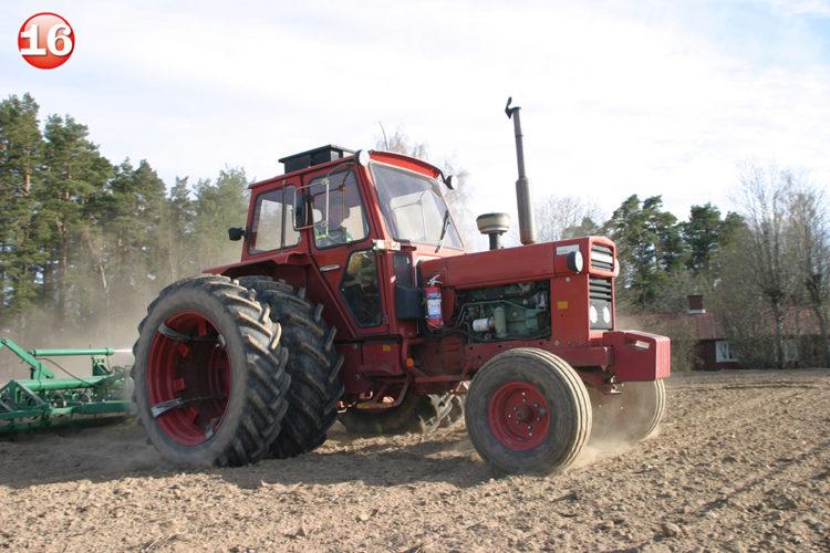 Traktorlucka 16