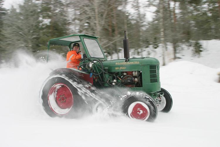 Full fart i snön!