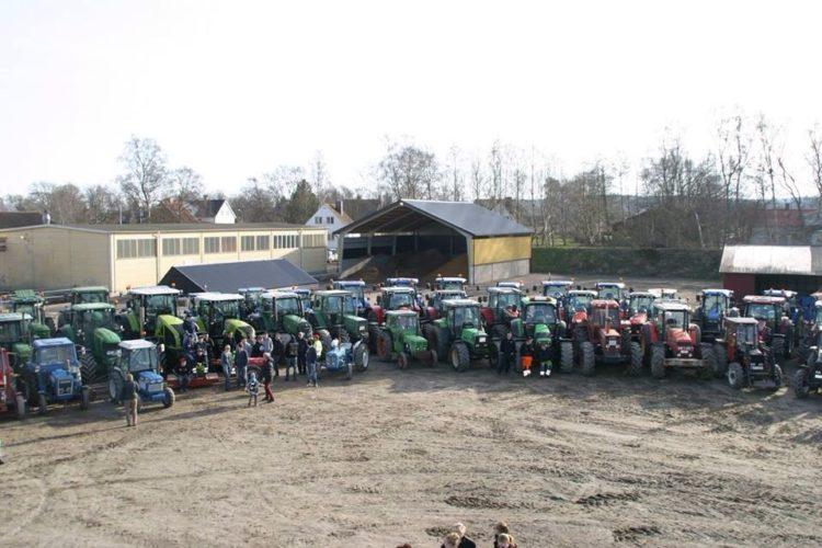 64 traktorer på Önnestad