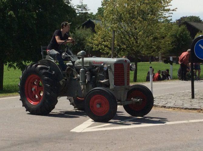 Harlösadagen fyller huvudgatan med traktorer!