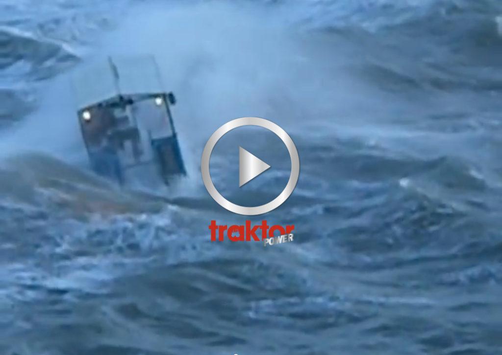 Traktorfärja på djupt vatten!