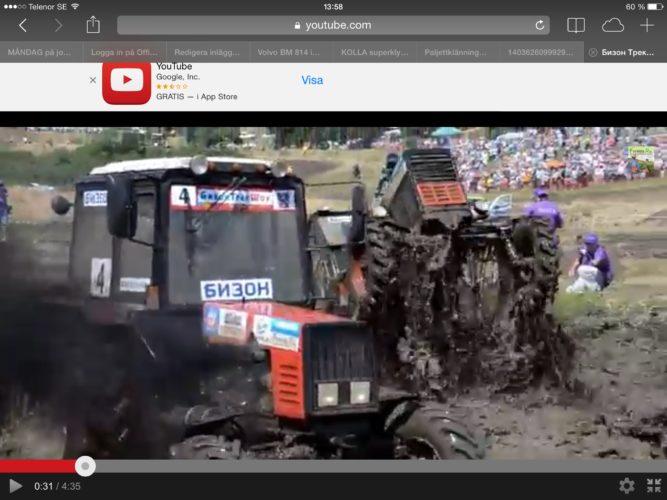 Traktorrace i surhål!