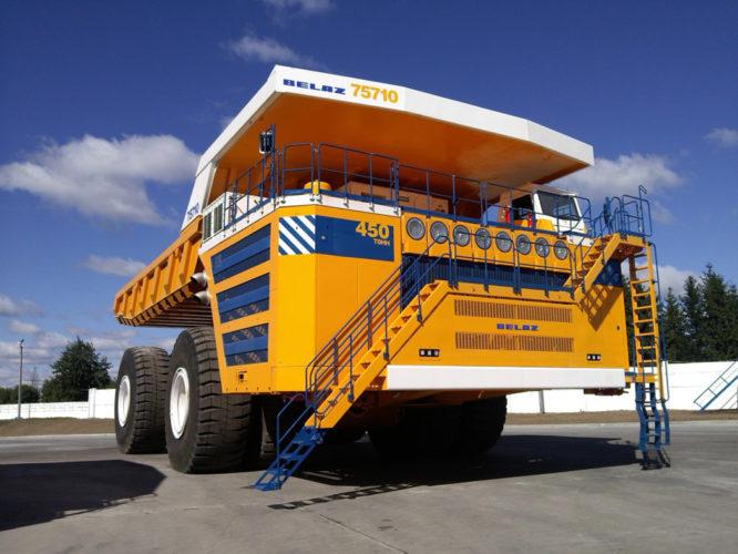 Världsstörst: Belaz lastar 450 ton!