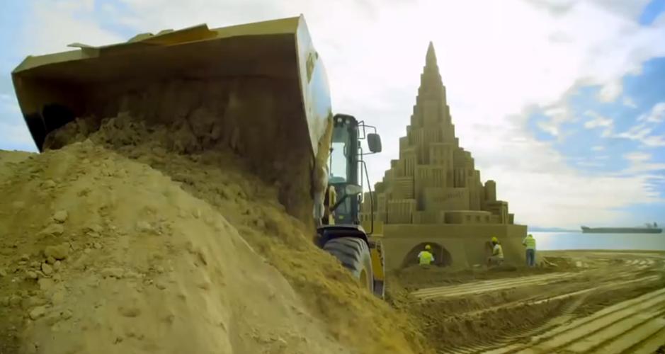 Caterpillar byggde största sandslottet