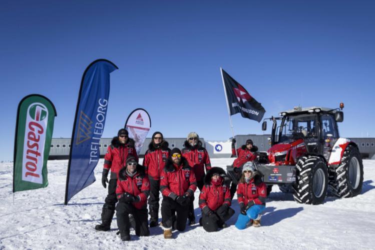 Sydpols-Masseyn tillbaka vid basen