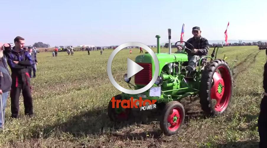 Skön parad med udda traktorer!