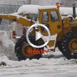Skön Parca-lastare i snösvängen!