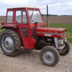 Engelsk traktorträff siktar på rekord