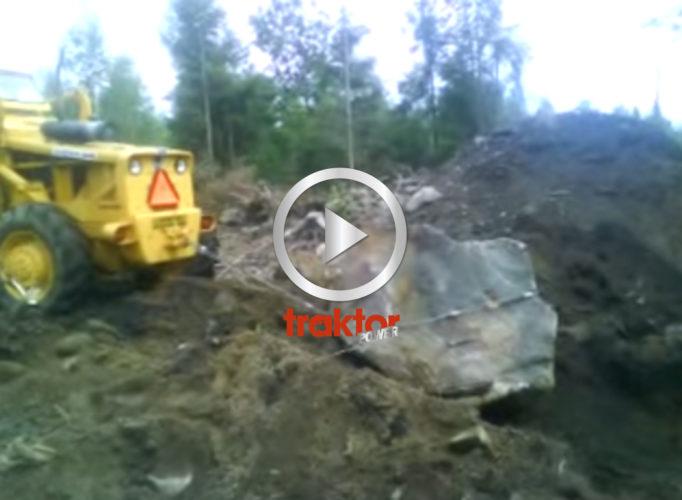 BM Volvo 640 drar sten!