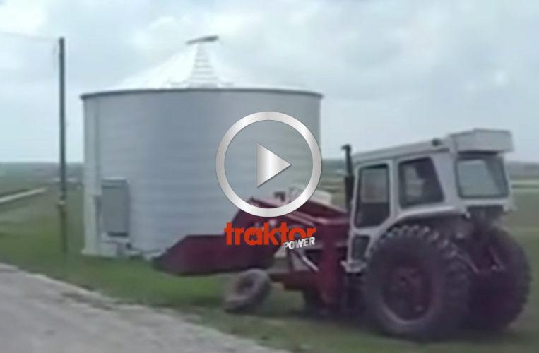 IH-traktorn tappar hjulet!