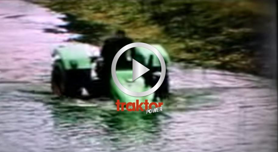 Deutz kör rakt ut i sjön!