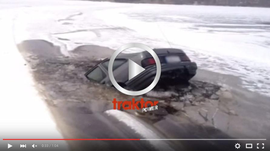 Bilen sjunker långsamt igenom isen!