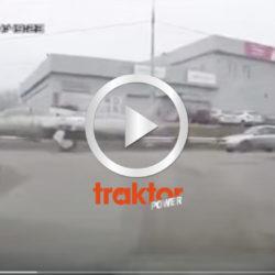 SHIT! Ser du! Ett flygplan på gatan!?!