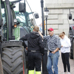 Traktortåget till Stockholm. Bondeprotest!