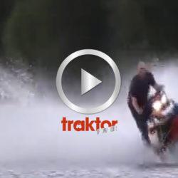 Full fart med snöskoter på vatten!