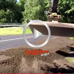 Kolla så fint grävaren jobbar!
