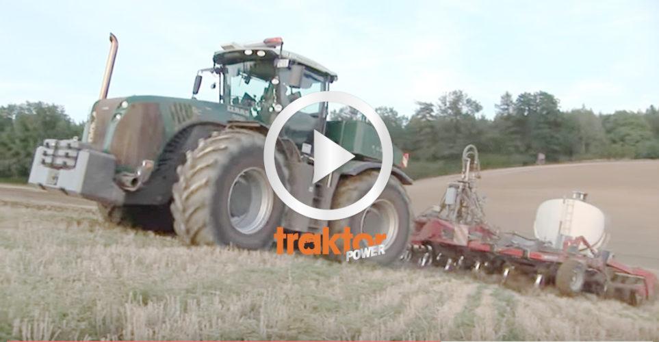 Här stormar världens största traktorer fram på fälten!