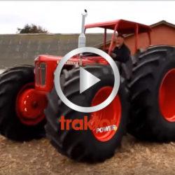 Kolla sulorna på den här Buster-traktorn!