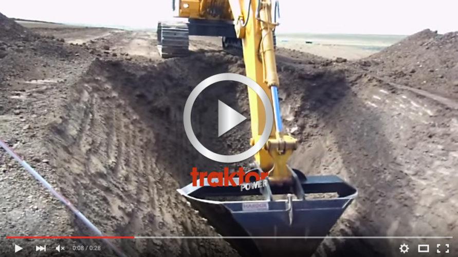 Här har vi en grävarförare som begriper hur djupt ett dike ska vara!!!