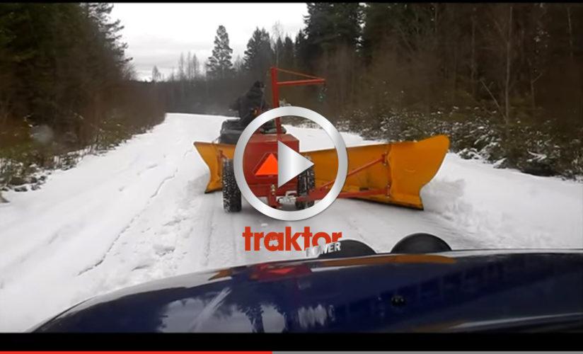 Med den här utrustningen kan en fyrhjuling röja snö!