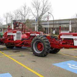Trippel-traktor med IH 660.