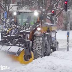 sopa snö med Wille!