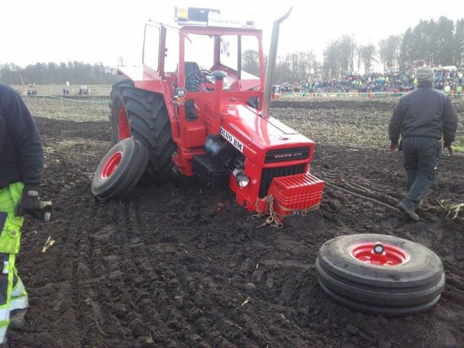 Volvo BM i traktorrace i Nävlinge i Skåne.