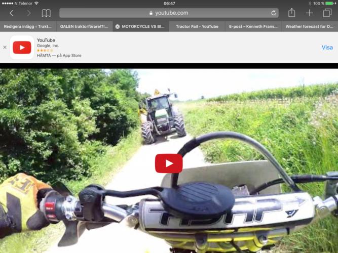 Möte mellan motorcykel och traktor!