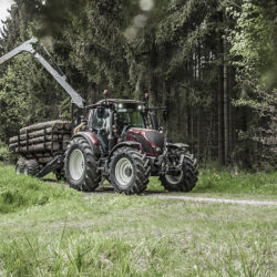 Nya Valtra N-serie visas upp på Agritechnica.