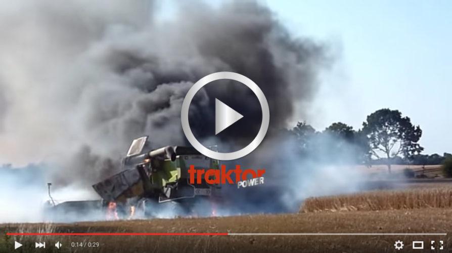 En Claas skördetröska brinner på fältet!!!