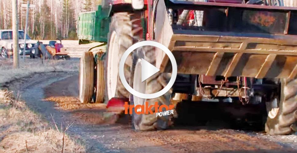 Fiat med grussläp och underbett sprider grus. SNYGGT!