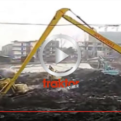 Här har du en grävare med en enormt lång sticka!!!