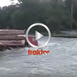Så kör ryska timmerbilar över floder!