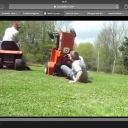 Så startar du en gräsklippare.