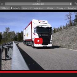 Sveriges största lastbil kommer rullande med 74 ton flis!