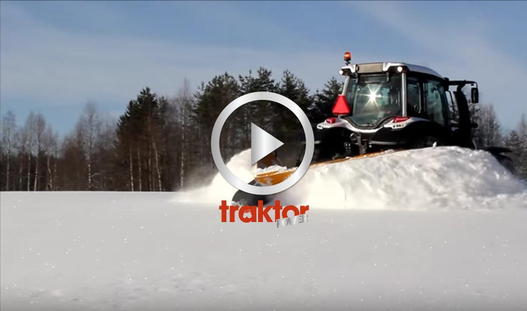 Valtran klyver snön med spetsplog!