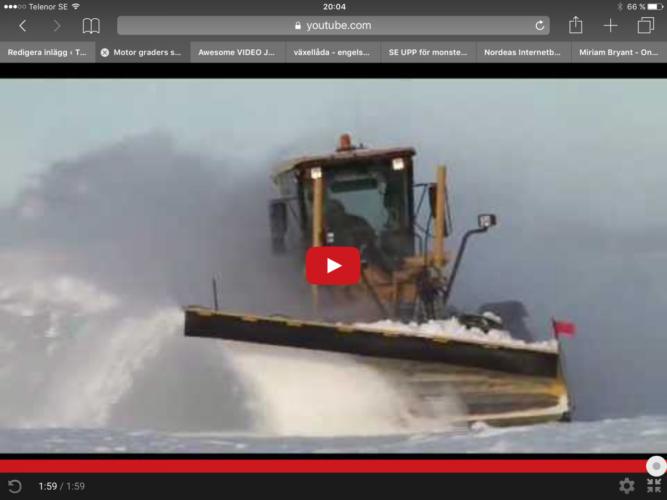 Volvo väghyvel i snösvängen!