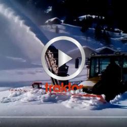 Norsk snöröjare i djup snö!