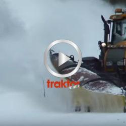 Valtra T190 i snösvängen!