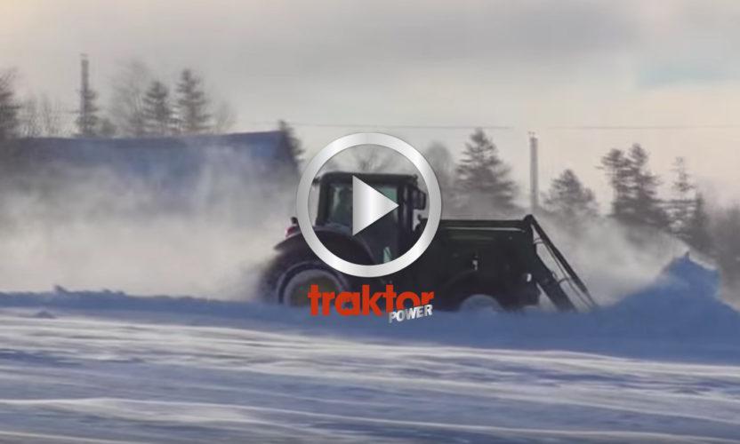 John Deere i häftigt snödrev!