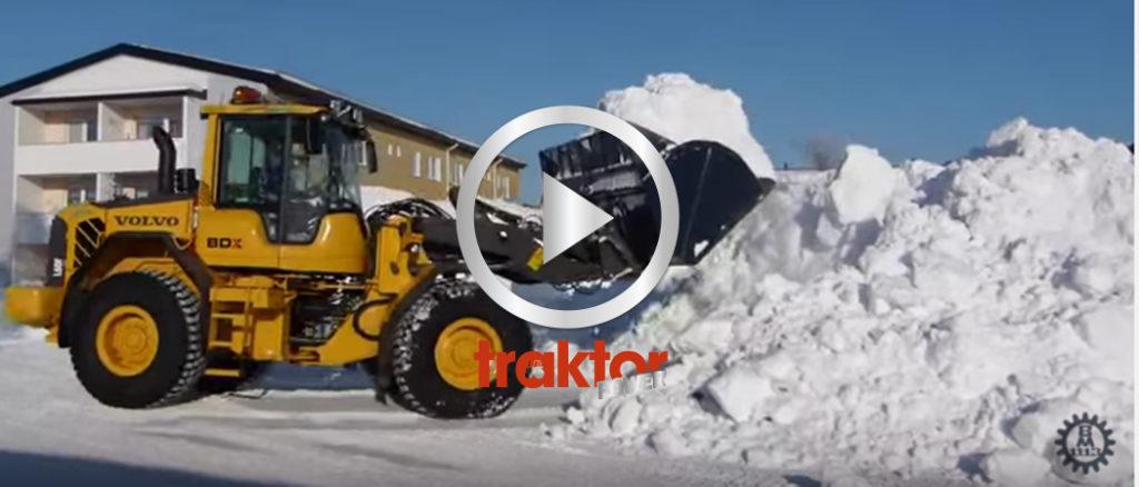 Volvo L60 lastar snö!