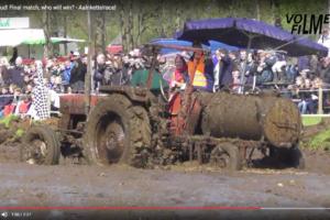 Blött traktorrace
