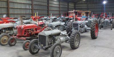 Privat traktorsamling auktioneras ut