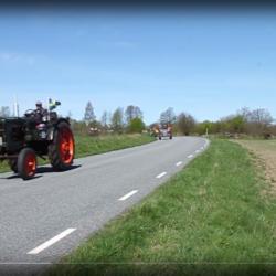 Häng med på traktorcruising med start i Vollsjö.