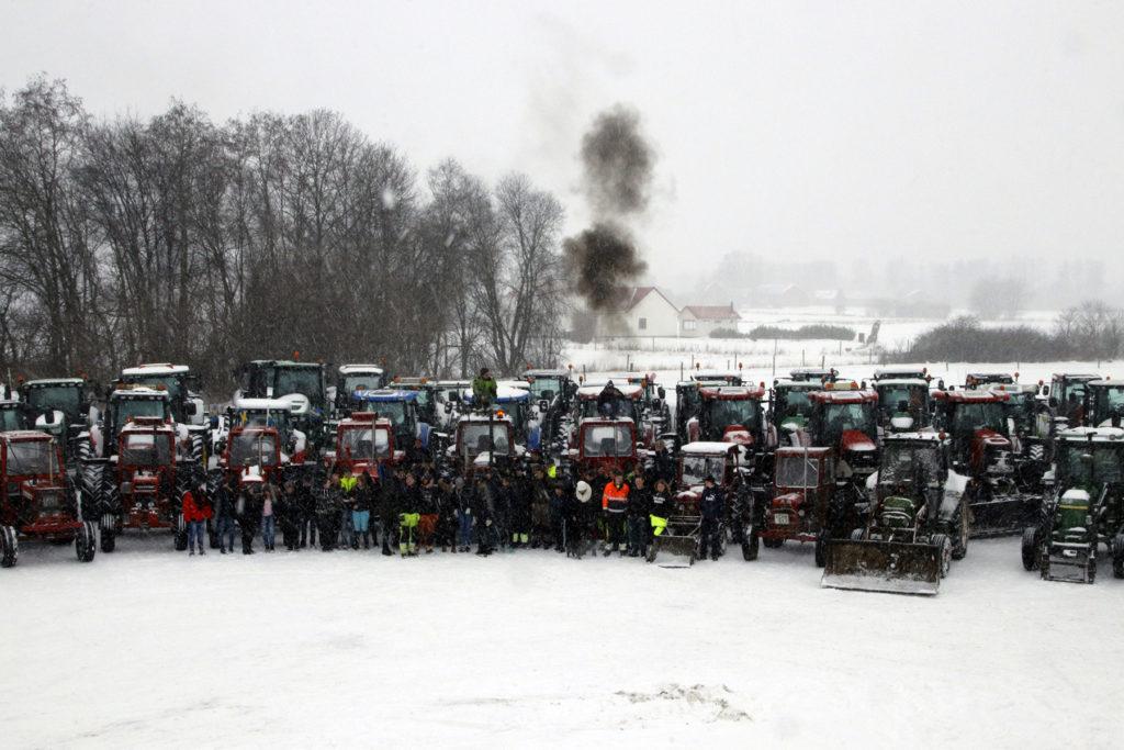 Snö. Glada elever på Önnestadsgymnasiet.