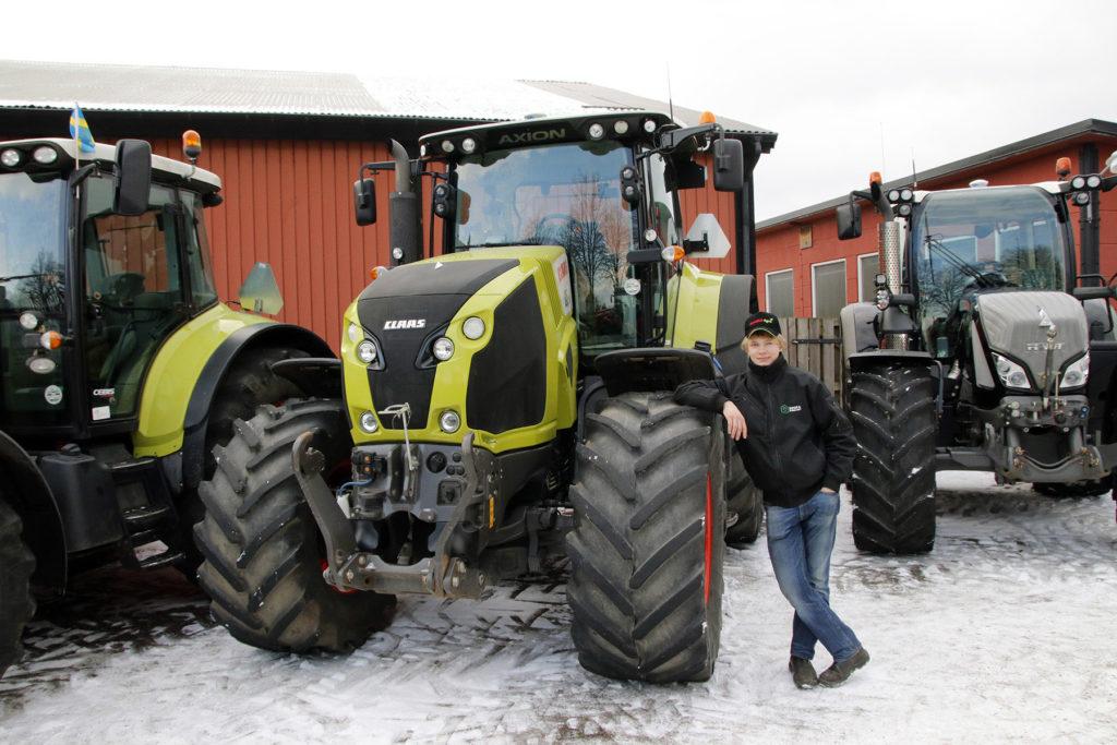 Ted Boström med en Claas Axion 830 från Klappa Boställe.