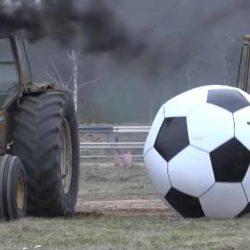 Traktorfotboll i Målilla 1 juli!