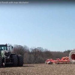 BIG RUBBER! Kolla dubbelmontagen på de här två Fendt-traktorerna!